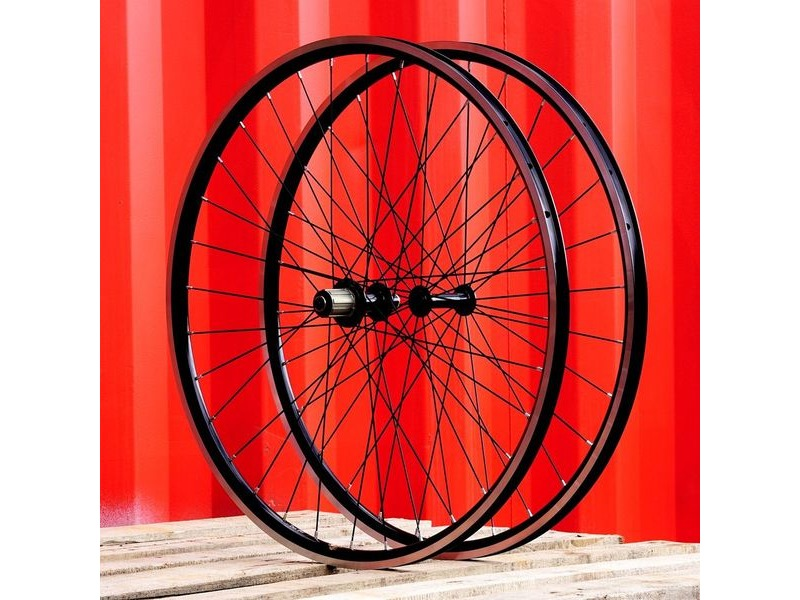 SPA CYCLES Handbuilt Wheelset: Bitex RAF12(28h)/RAR12(32h) With KINLIN XR22T/XR22RT click to zoom image