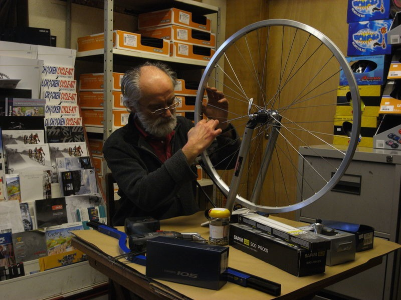 SPA CYCLES Handbuilt Wheelset - Shimano Deore click to zoom image